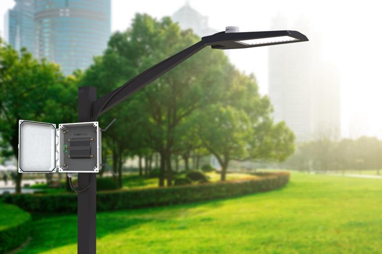 Create a City WiFi Hotspot using Power from a Light Pole